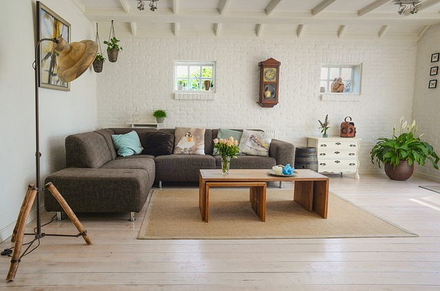 pohovka v obýváku